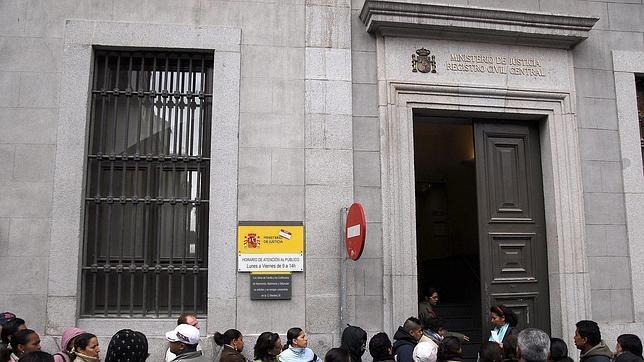 Ltimas noticias sobre inmigraci n y derecho internacional for Oficina registro madrid